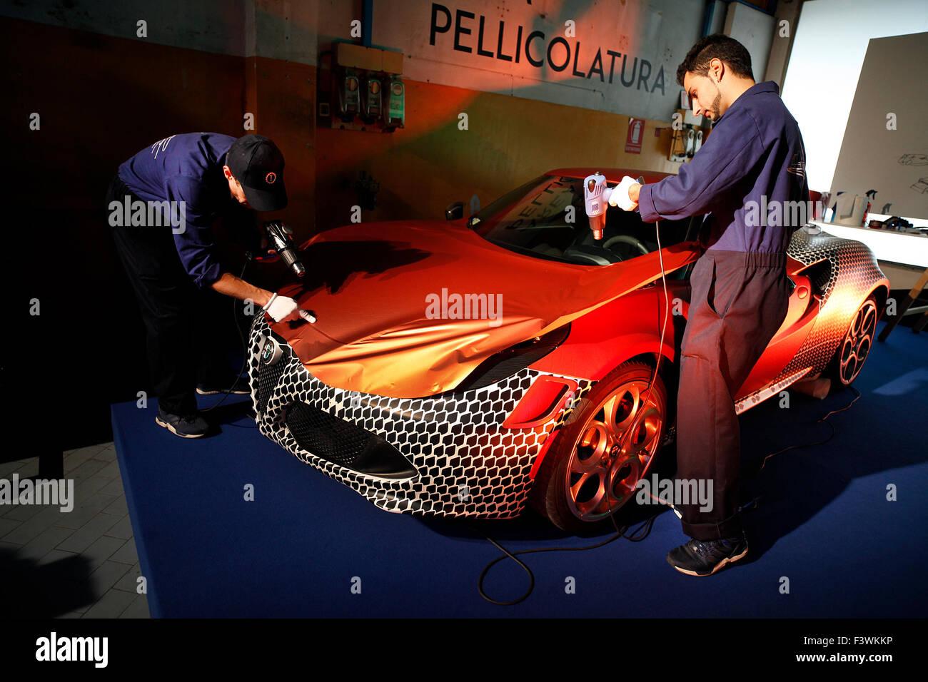 Car Wrap Stock Photos Amp Car Wrap Stock Images Alamy