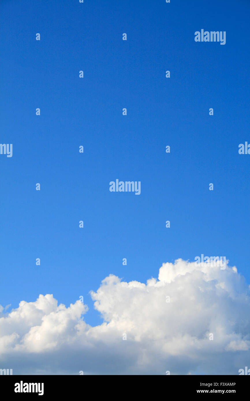 Clear blue sky with cloud - Stock Image