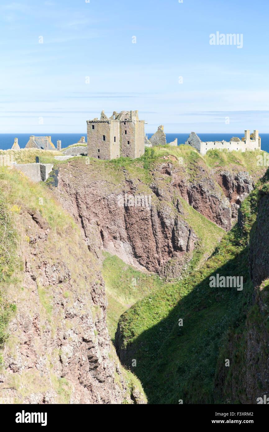 UK, Scotland, the castle is Dunnottar Castle near Stonehaven. - Stock Image