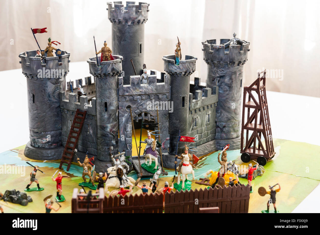 1960s Marx Box Set Knights And Vikings Snap Together Castle With