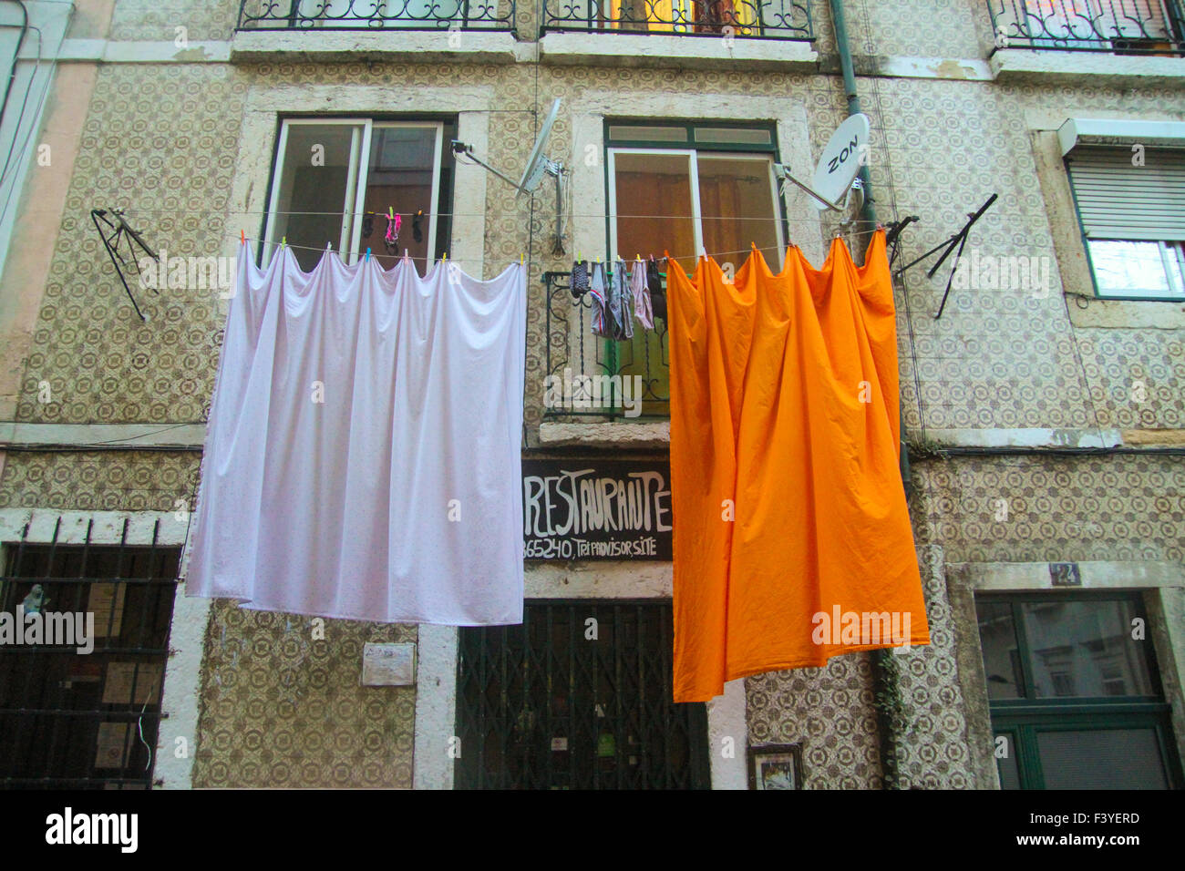 ​Lisbon, Portugal, 4 October, 2015. Linen hang to dry on Calçada do Forte in the Alfama district of Lisbon. - Stock Image