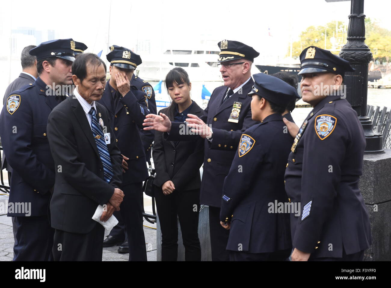 Detective Nypd Stock Photos & Detective Nypd Stock Images