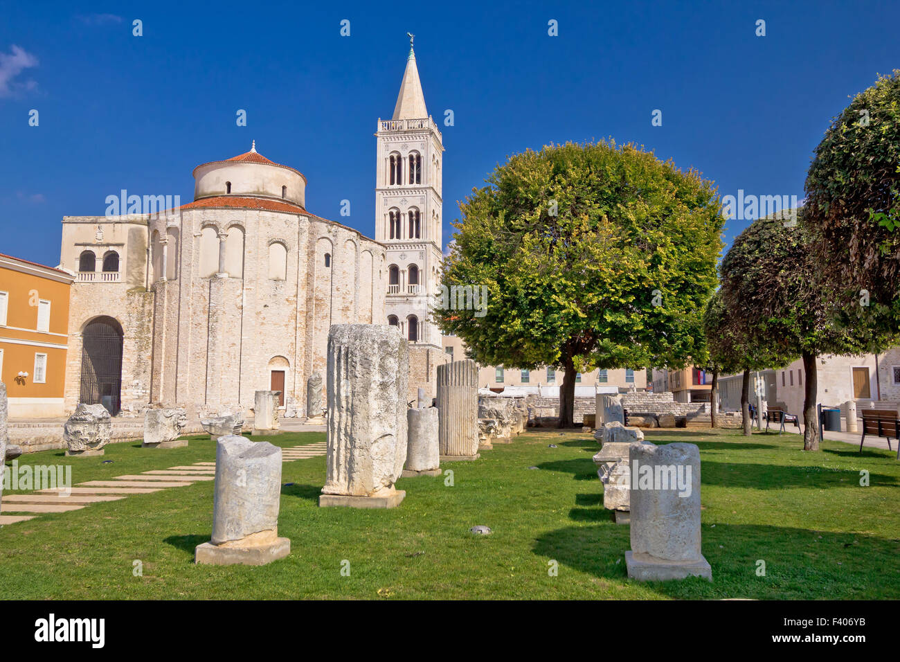 Historic roman artefacts on Zadar square - Stock Image