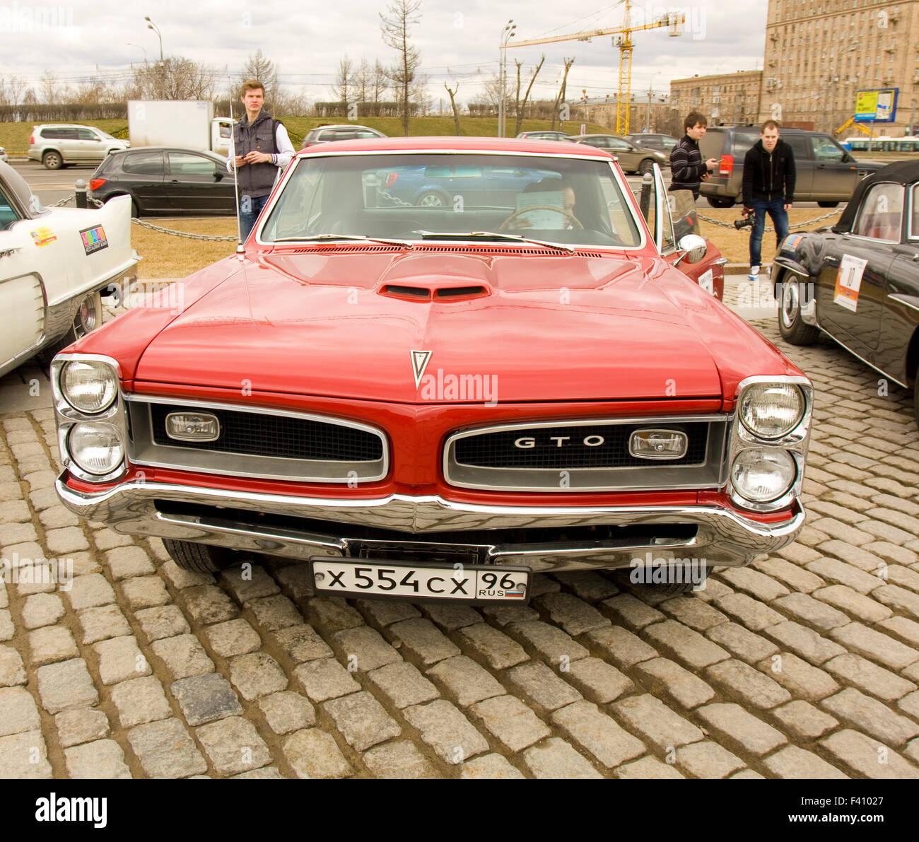 Pontiac Gto Stock Photos Images Alamy 1960 Judge Moscow April 21 Retro Car On Rally Of Classical Cars Poklonnaya