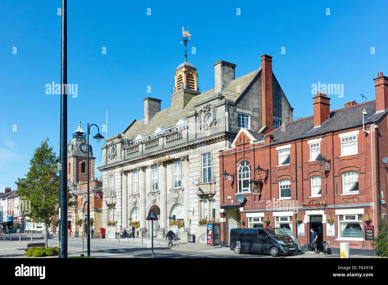 Crewe town hall - Stock Image