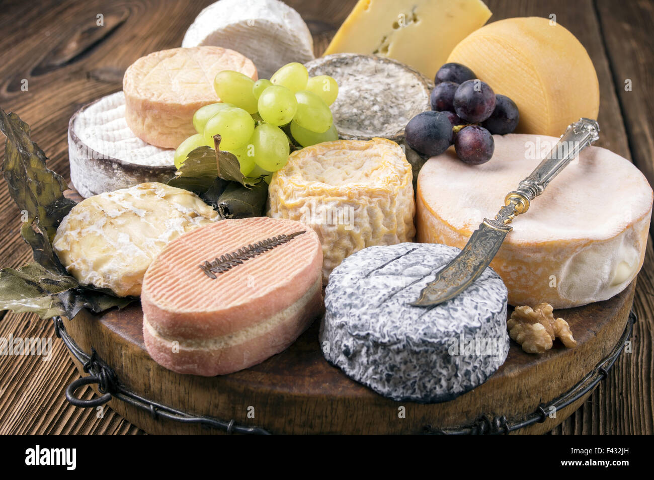 french cheese plate & french cheese plate Stock Photo: 88578409 - Alamy