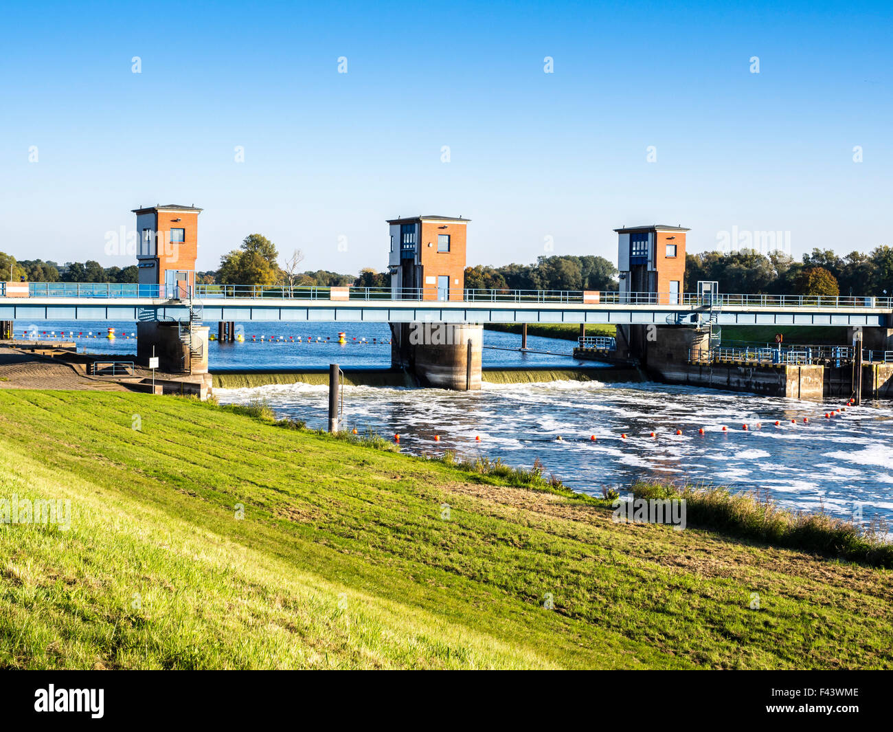 River Havel, here in a channel,  Gnevsdorfer Vorfluter ,before flowing into river Elbe,  flood protection, Elbe Stock Photo