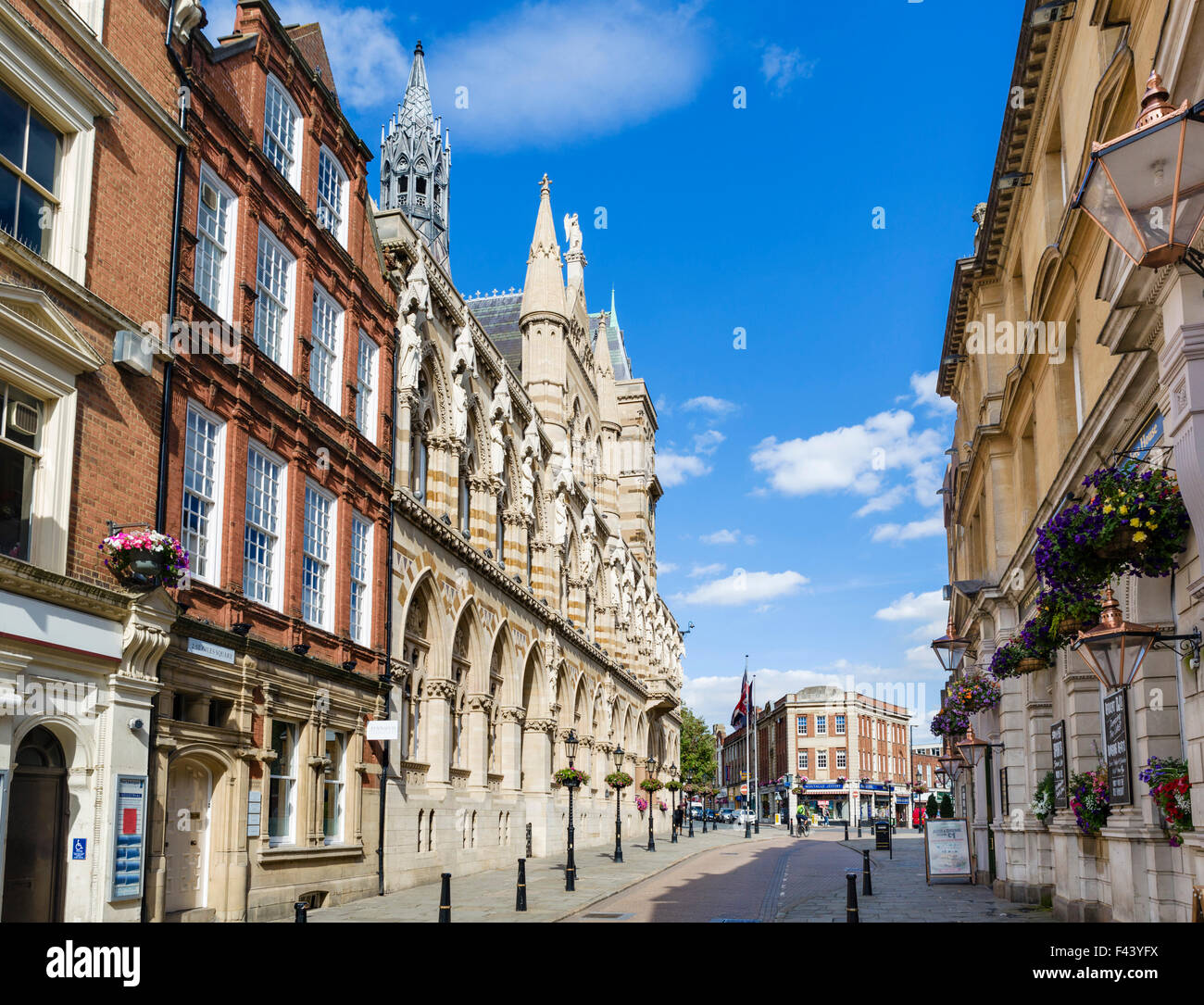 St Giles' Square in the town centre with the Guildhall on the left, Northampton, Northamptonshire, England, - Stock Image