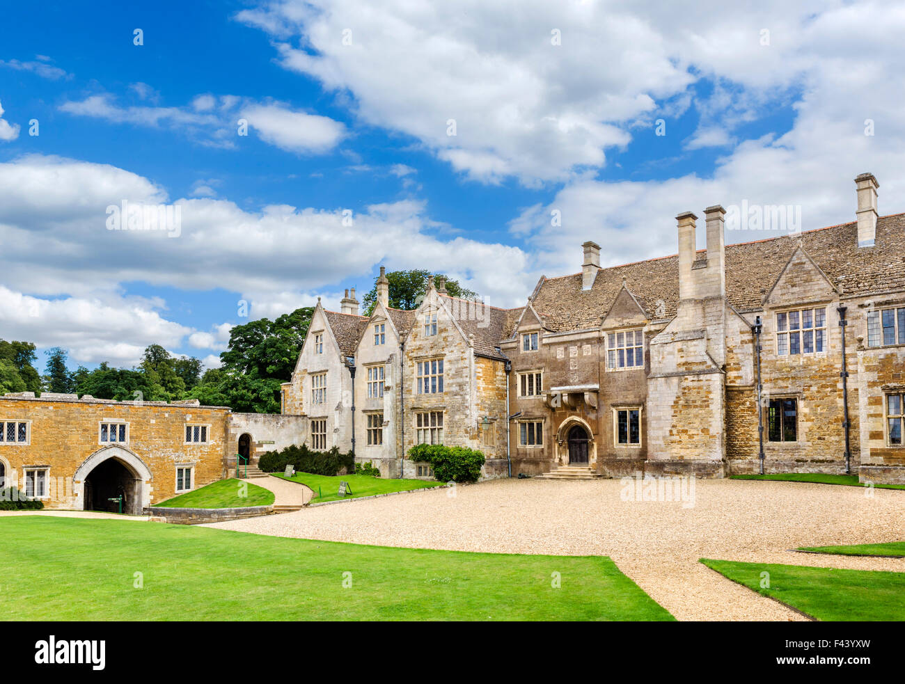 The courtyard and entrance to Rockingham Castle, near Corby, Northamptonshire, England, UK - Stock Image