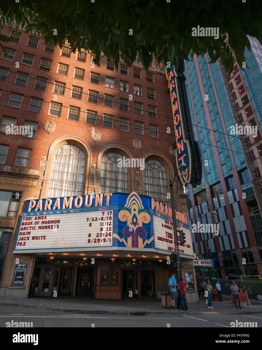 Paramount Movie Theatre on the corner of Pine Street and 9th Avenue - Stock Image