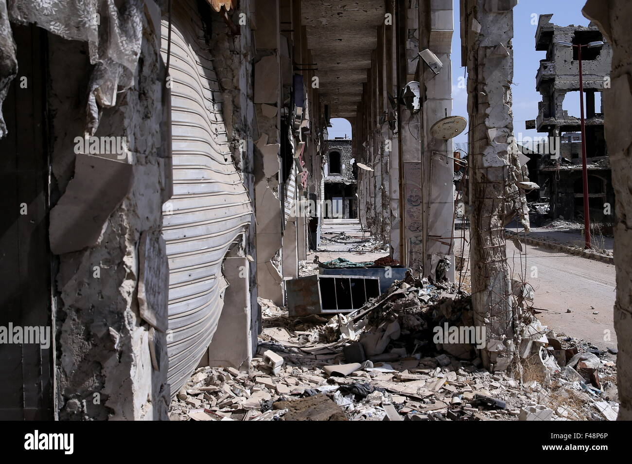 Homs, Syria. 14th Oct, 2015. A street in the Syrian city of Homs. © Valery Sharifulin/TASS/Alamy Live News - Stock Image