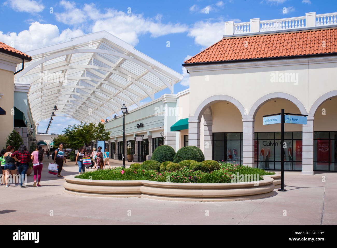 Factory Outlet Stock Photos & Factory Outlet Stock Images - Alamy