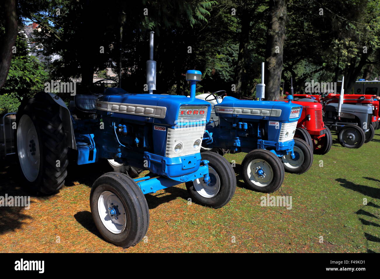Tractor And Car Show : Ford and major tractors at the