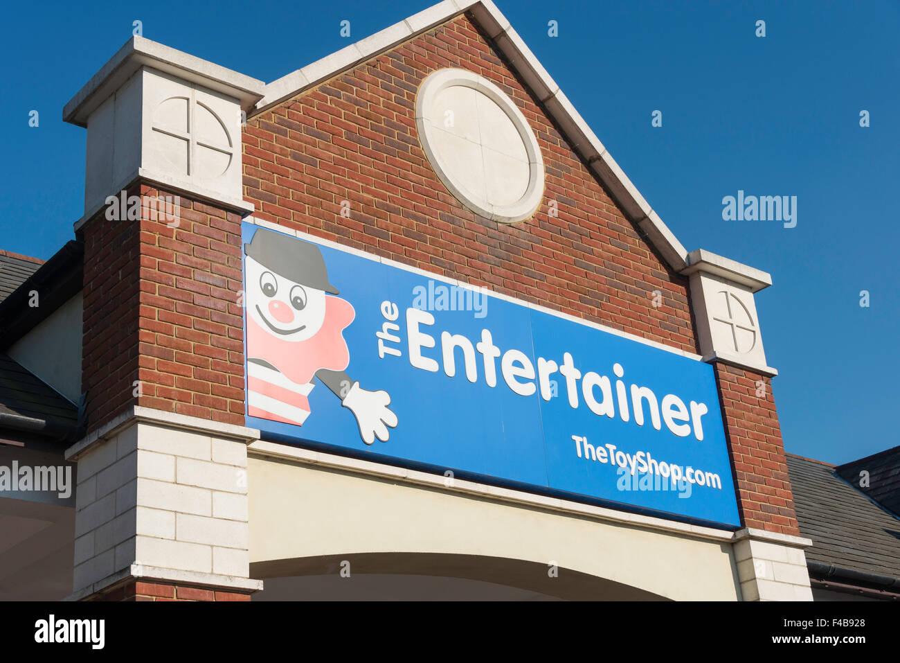 The Entertainer toy shop entrance, Two Rivers Shopping Centre, Staines-upon-Thames, Surrey, England, United Kingdom - Stock Image