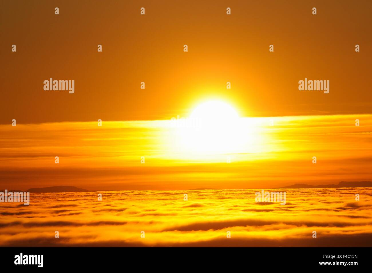 Sunset over the Sea of ​​Fog - Stock Image
