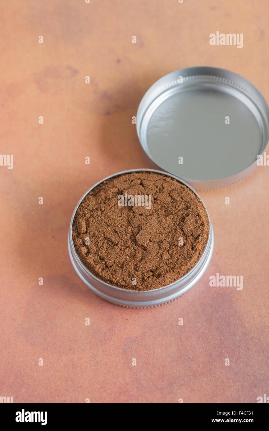 Dry snuff a smokeless tobacco made from ground tobacco leaves - Stock Image