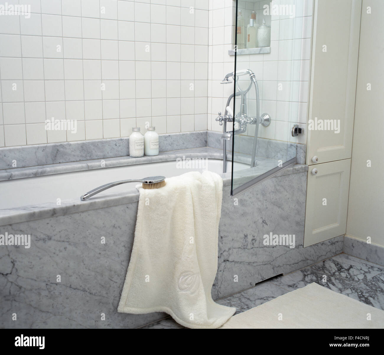 Grey And White Marble Bathroom: White Marble Bathroom Stock Photos & White Marble Bathroom