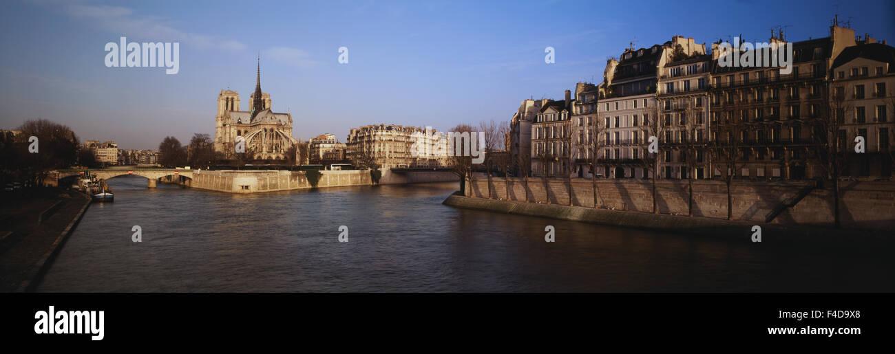 France, Paris, Ile Saint-Louis, Morning view of Notre Dame de Paris and River Seine. (Large format sizes available) - Stock Image