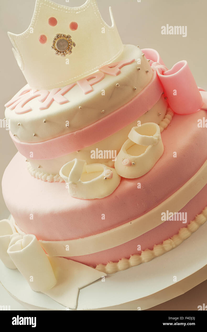 Fantastic Decoration Details Of A Birthday Cake Made For Little Baby Girl Funny Birthday Cards Online Sheoxdamsfinfo
