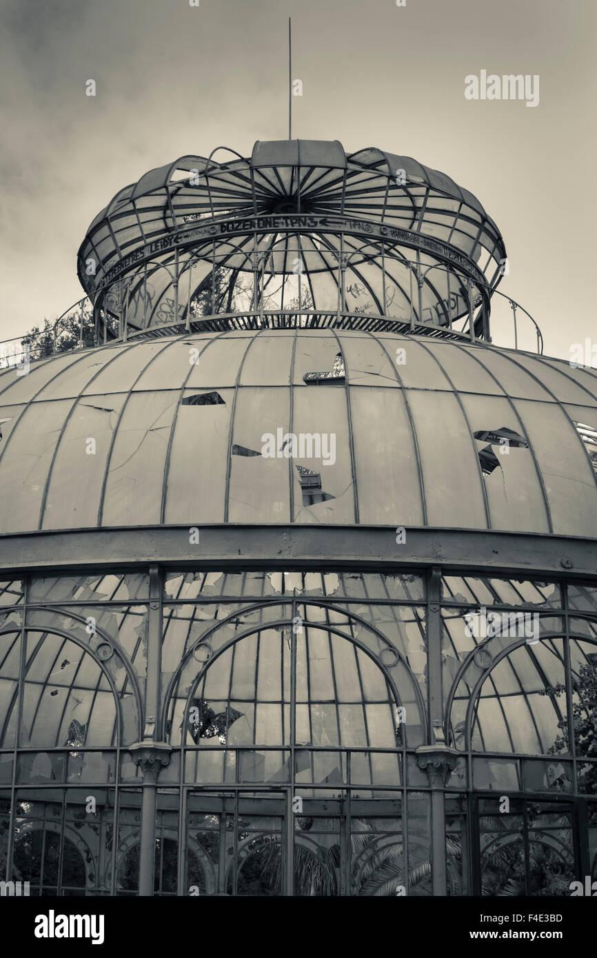 Chile, Santiago, Parque Quinta Normal park, antique greenhouse. - Stock Image