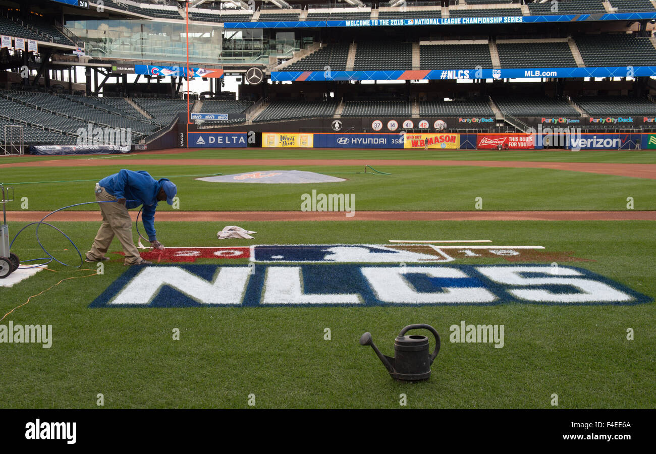 New York, NY, USA. 16th Oct, 2015. Preparations for the NLCS series between the New York Mets and Chicago Cubs at - Stock Image