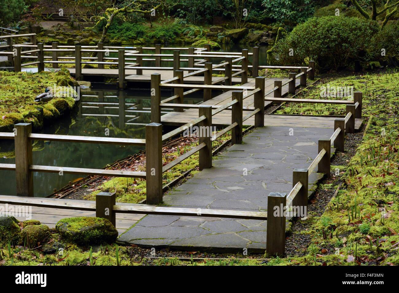Deck, Railing, Portland Japanese Garden, Portland, Oregon, USA (PR)