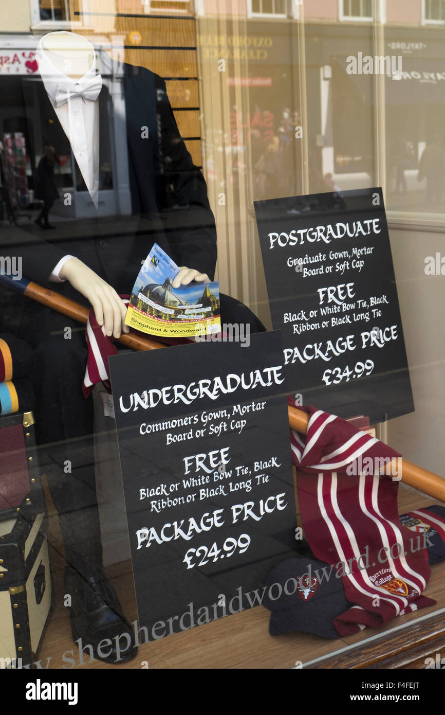 A visit to the historic University City of Oxford Oxfordshire England UK College gowns - Stock Image