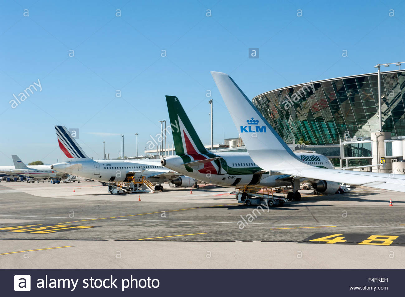 nice france aeroport nice cote d 39 azur aircraft of air france stock photo 88855049 alamy. Black Bedroom Furniture Sets. Home Design Ideas