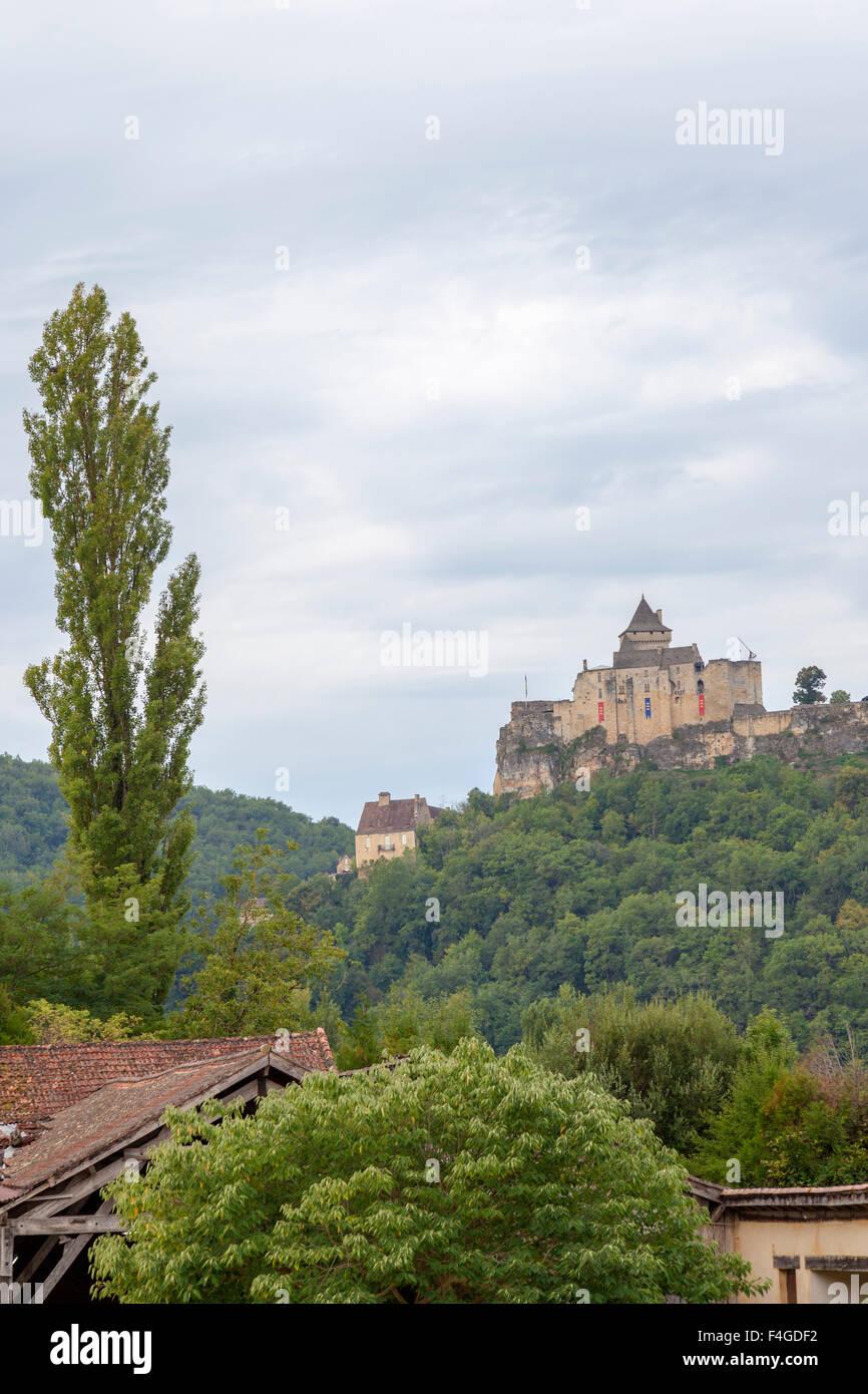 The Castelnaud la Chapelle castle, in the black Perigord (Dordogne - France). Le château de Castelnaud la Chapelle - Stock Image
