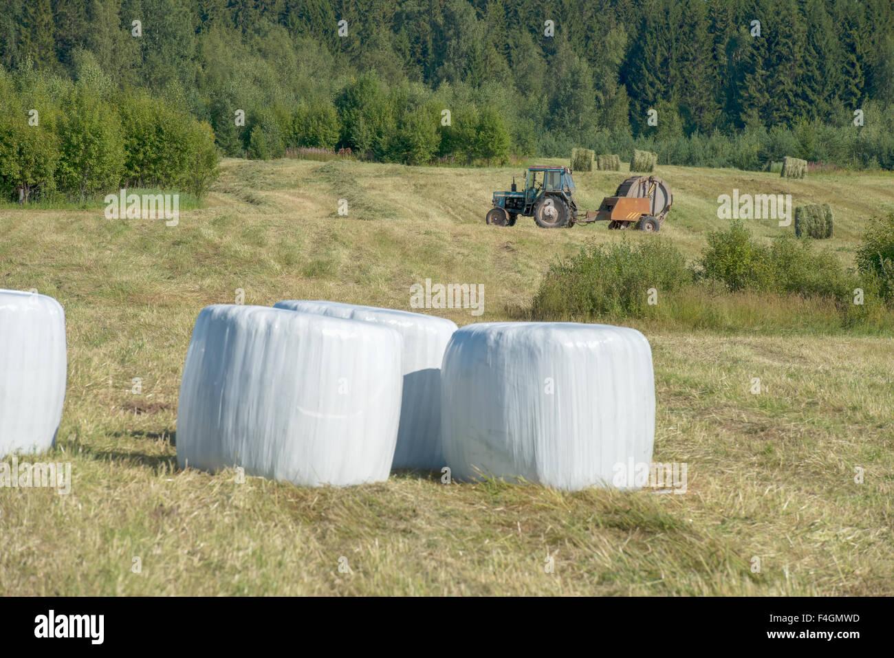 Bales Of Plastic Stock Photos Amp Bales Of Plastic Stock
