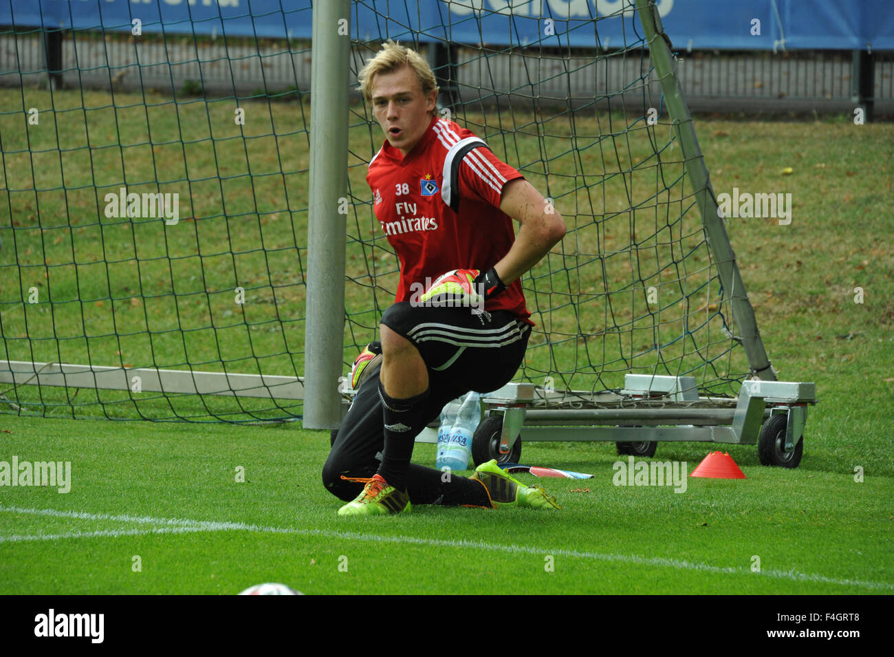 HSV Trainingseinheit: EUROPA, DEUTSCHLAND, HAMBURG, René Adler im Training vor der Imtech Arena. Editorial - Stock Image