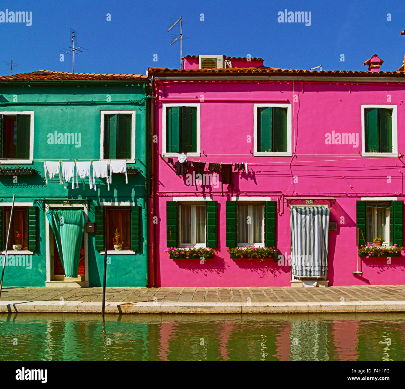 Green Painted Houses Stock Photos & Green Painted Houses Stock ...
