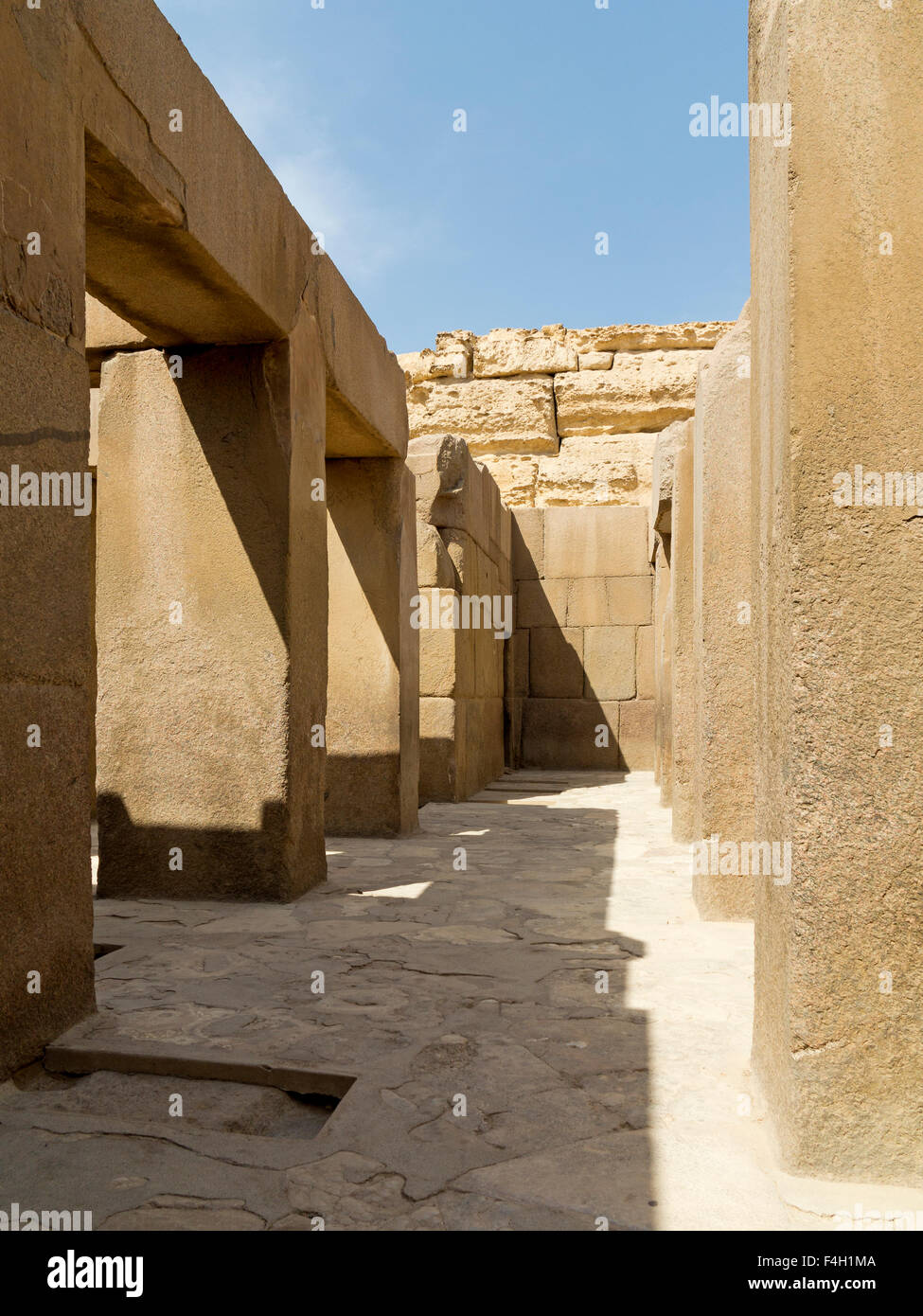 Roofless chamber in The Valley Temple of Pharaoh Khafre of the 4th Dynasty, Giza, near Cairo Egypt - Stock Image