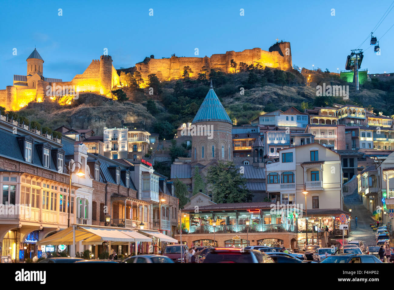 Dusk view of Narikala fortress and the old town in Tbilisi, the capital of Georgia. - Stock Image