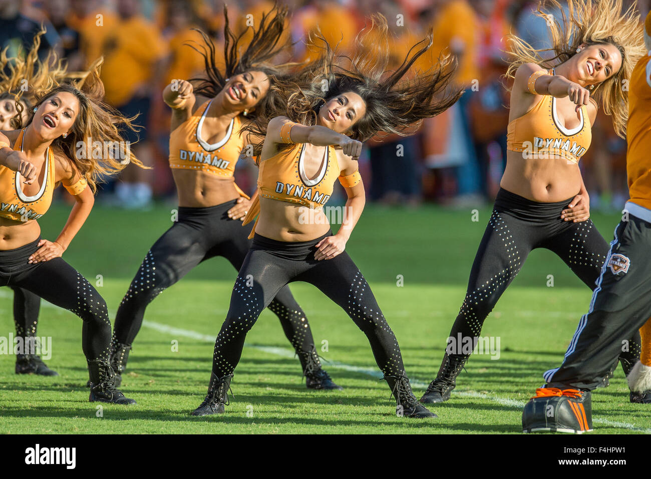 Houston, Texas, USA. 18th Oct, 2015. The Dynamo Girls dance team performs during halftime of an MLS game between - Stock Image
