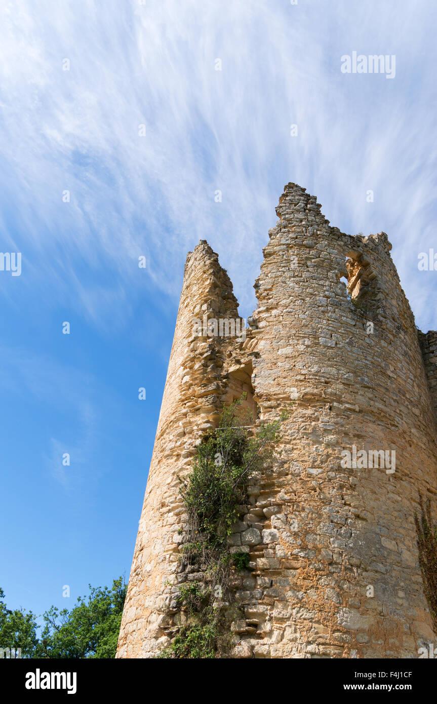 Le château de Roussillon a ruined medieval castle at Saint-Pierre-Lafeuille, Midi-Pyrénées, France, Europe Stock Photo