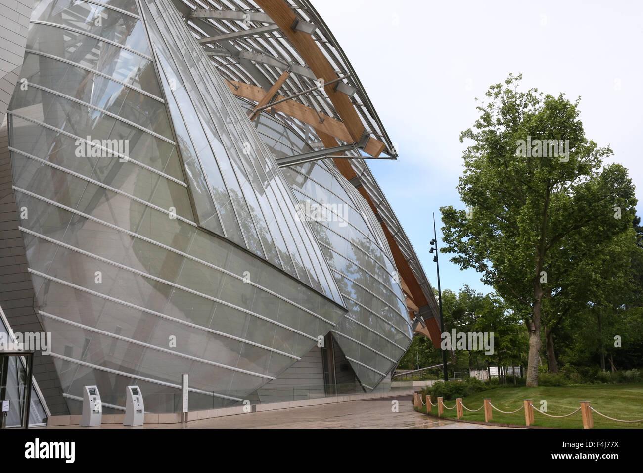 Louis Vuitton Foundation (Fondation Louis-Vuitton), Art Museum, Architect Frank Gehry, Paris, France, Europe - Stock Image
