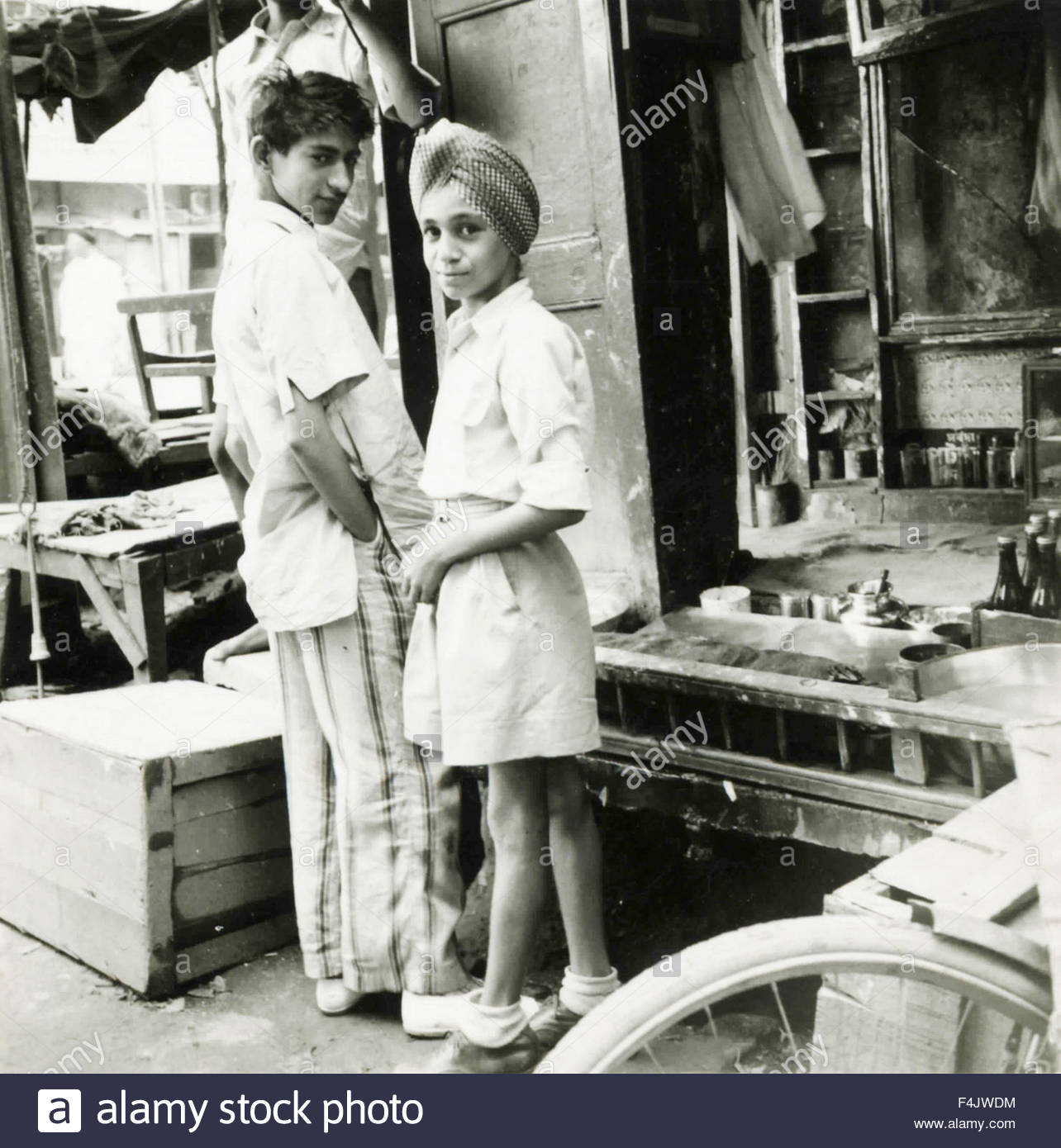 Indian children in a store - Stock Image