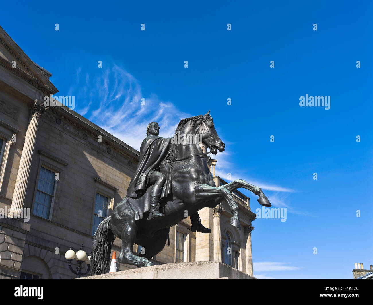 dh  PRINCES STREET EDINBURGH Duke of Wellington statue - Stock Image