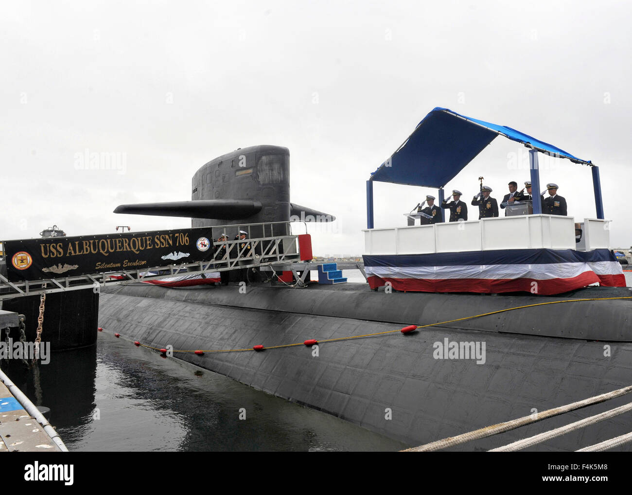US Navy Los Angeles-class fast-attack submarine USS Albuquerque during a ceremony celebrating 32 years of service - Stock Image