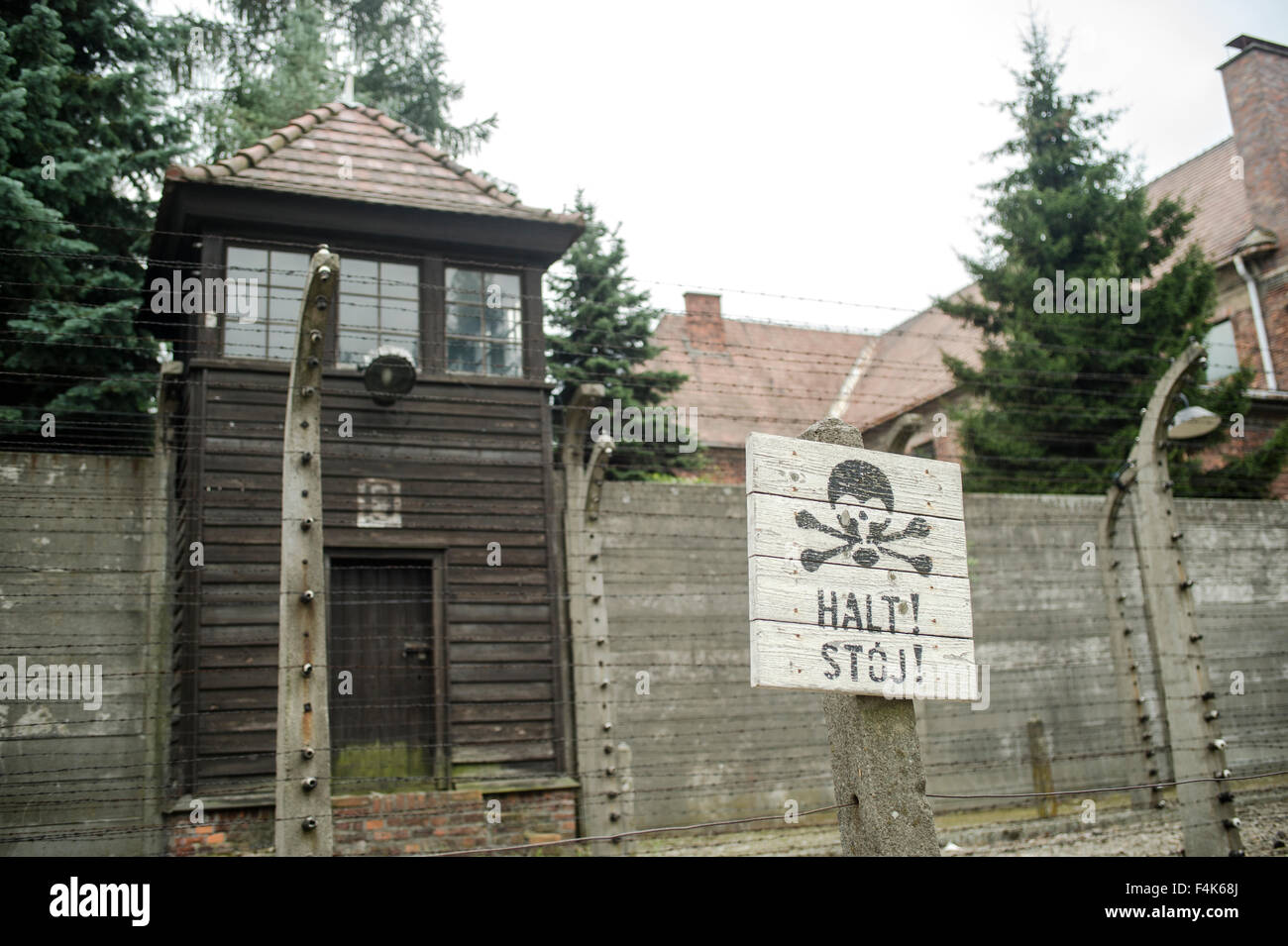 A sign warning of the hut the contains poisonous gas cyclone B to gas Jewish prisoners, - Stock Image