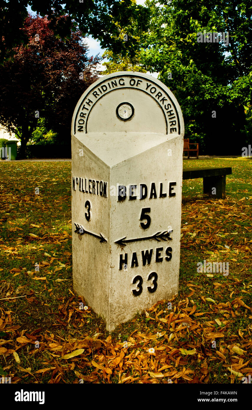 North Riding of Yorkshire Milepost at Ainderby Steeple Stock Photo