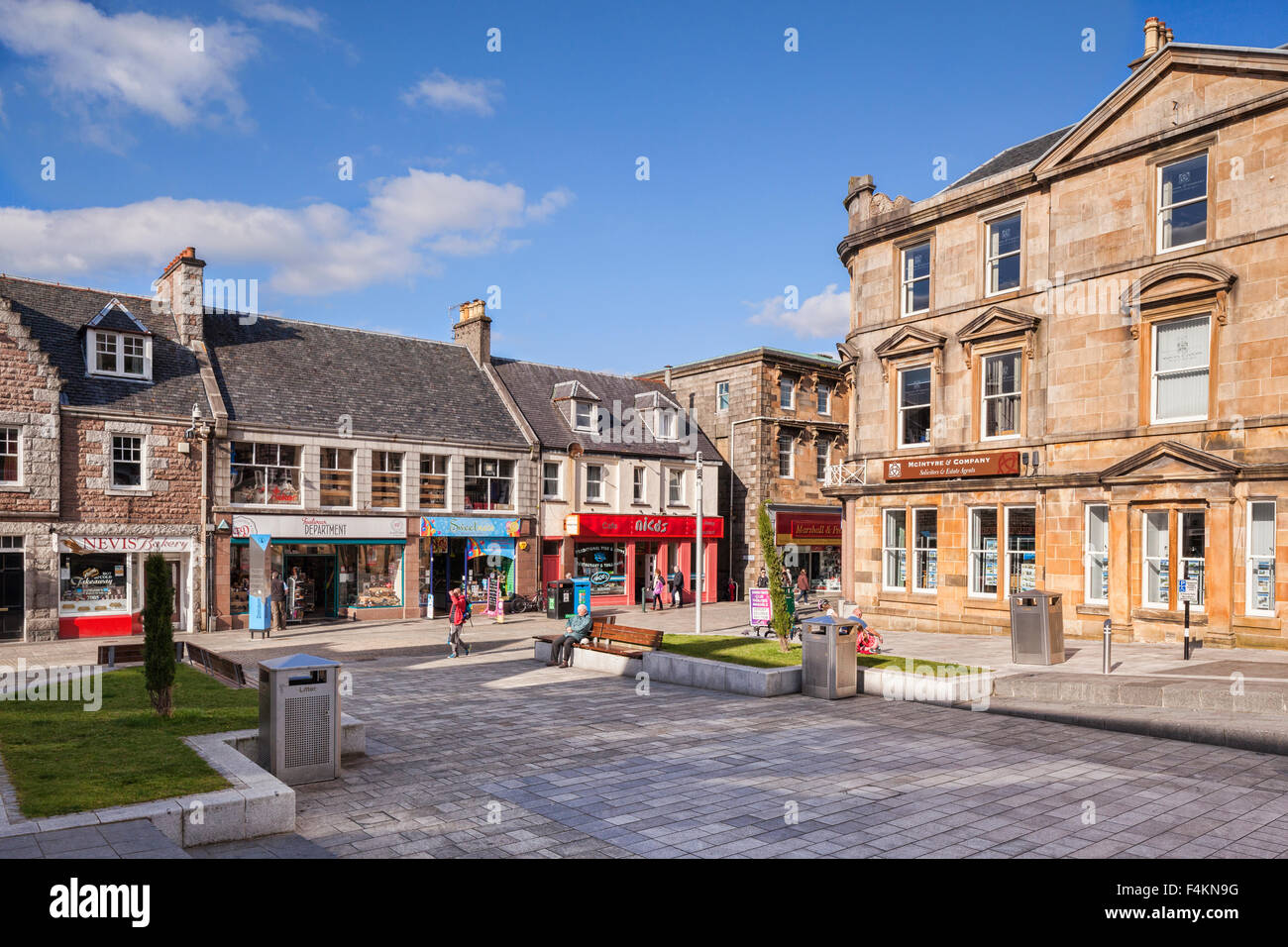Cameron Square, in the centre of Fort William, Highland Region of Scotland, on a sunny autumn Sunday afternoon. - Stock Image