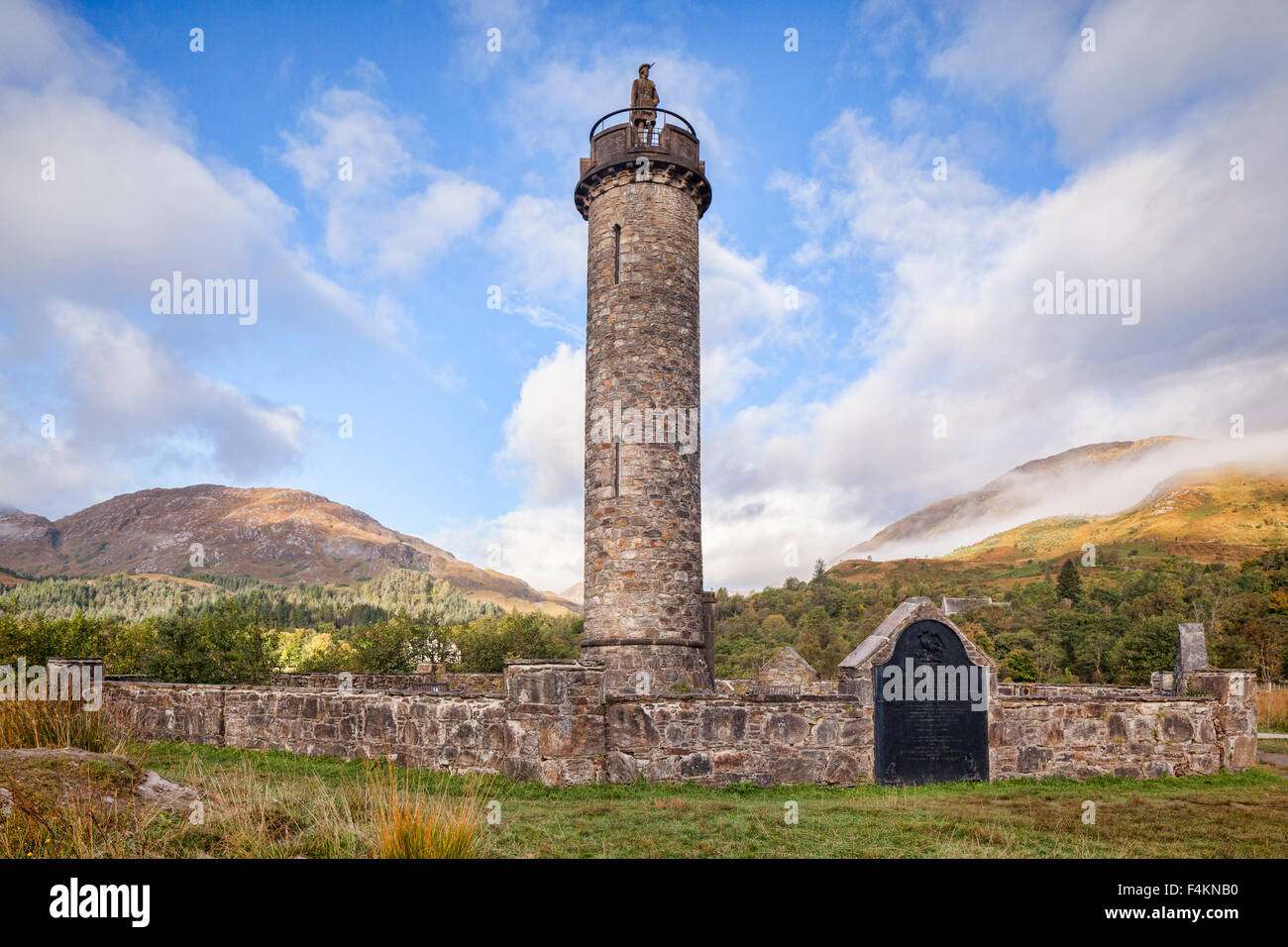 The Glenfinnan Monument at the head of Loch Shiel, Lochaber, Highland, Scotland. It marks the starting place of - Stock Image