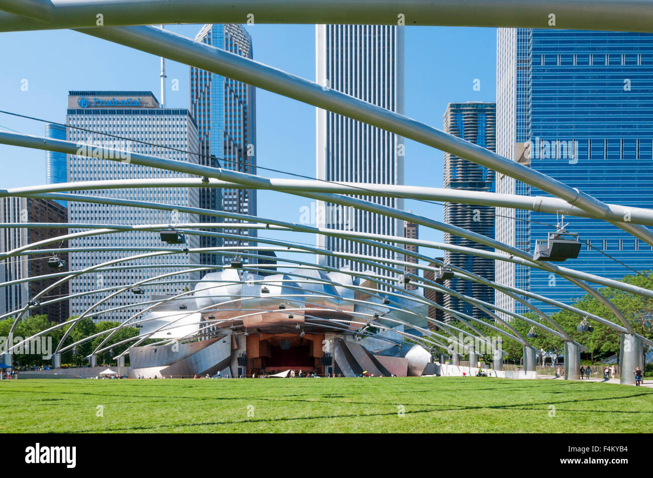The Jay Pritzker Pavilion in Millennium Park, Chicago.  Designed by Frank Gehry. - Stock Image