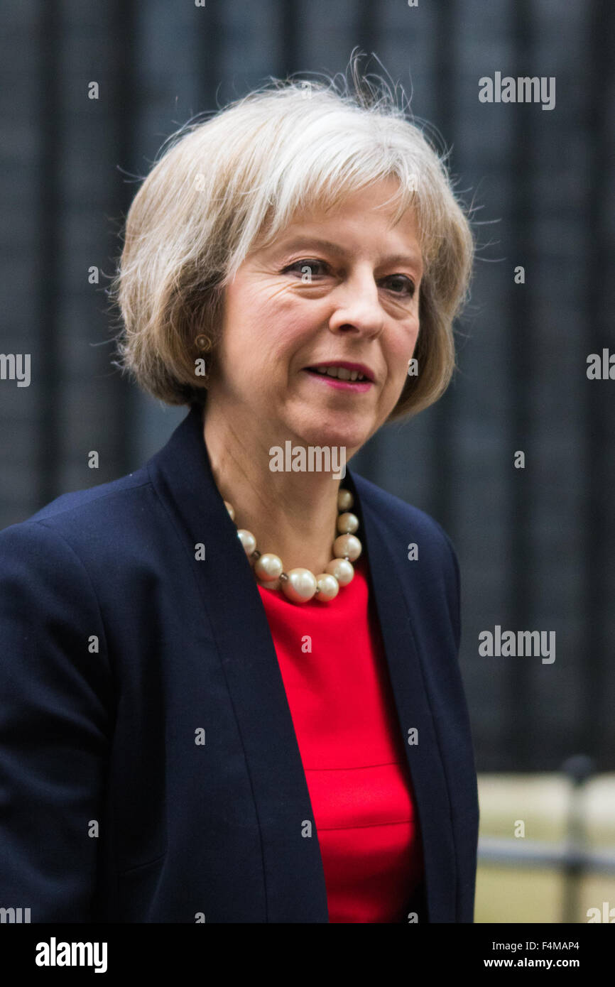 Downing Street, London, October 20th 2015. Home Secretary Theresa May leaves 10 Downing Street after attending the - Stock Image