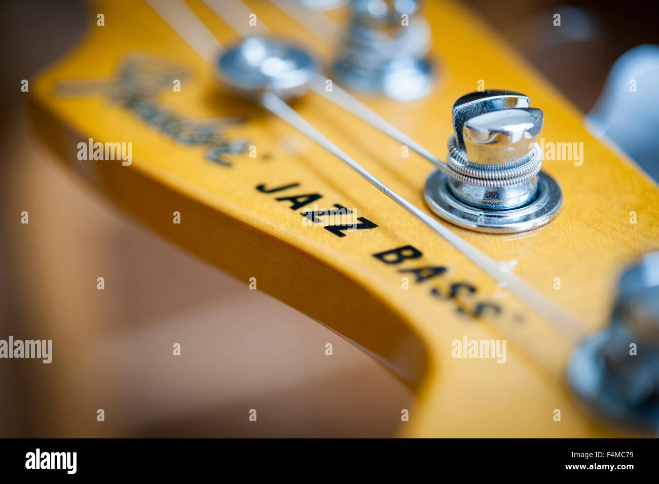 Jazz Bass Tuning Peg 1 single