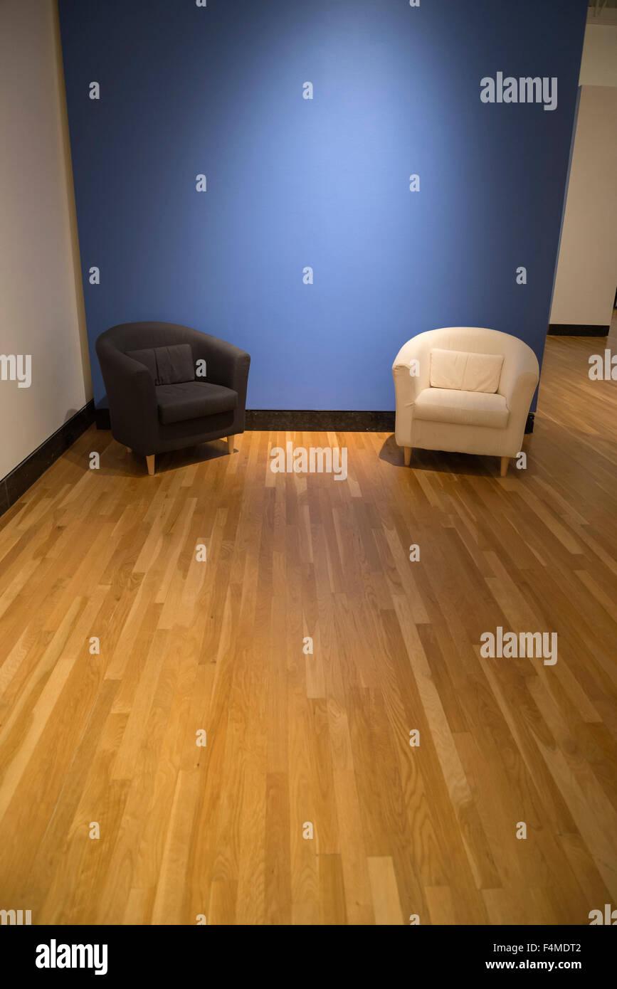 Sitting area inside art museum. - Stock Image