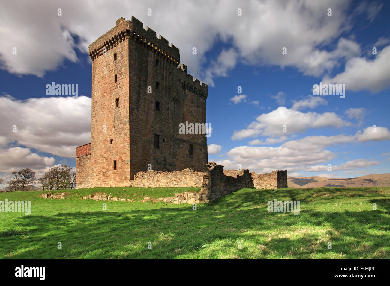 Clackmannan Tower on a sunny day, half in shade - Stock Image