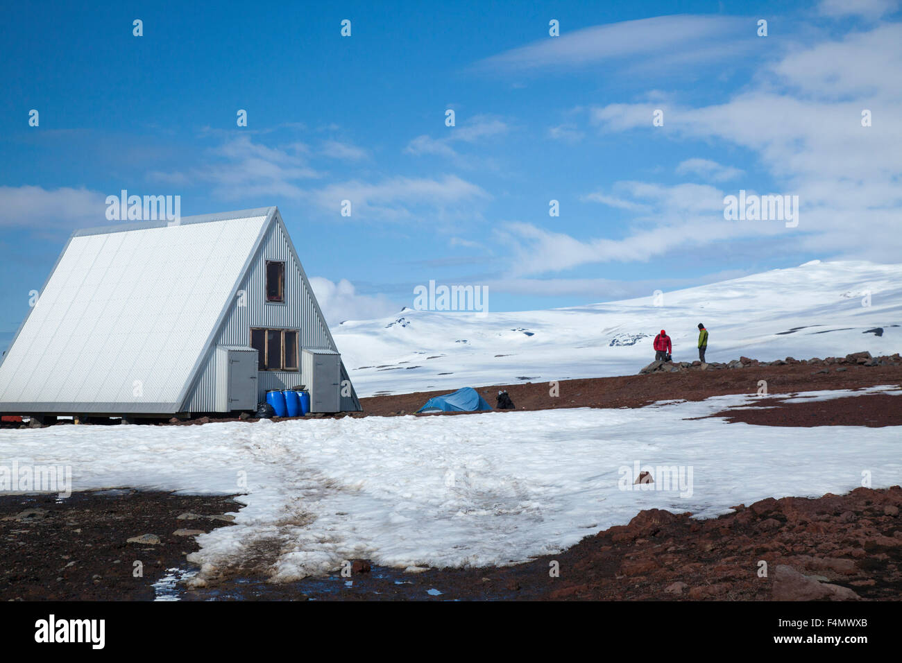 The new Baldvinsskali mountain hut on the Fimmvorduhals trail, Sudhurland, Iceland. - Stock Image